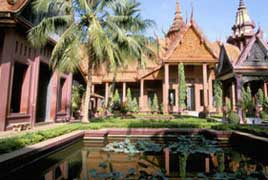 Grand Phnompenh & Temples of Angkor - 5 day