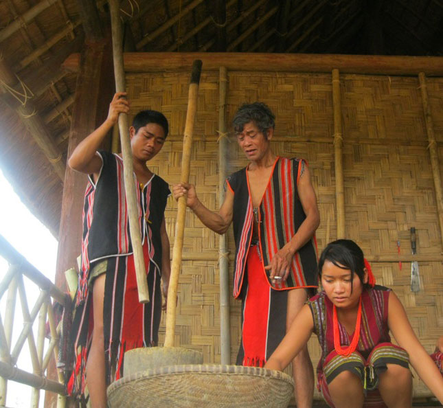 Brau People ethnic group in Vietnam