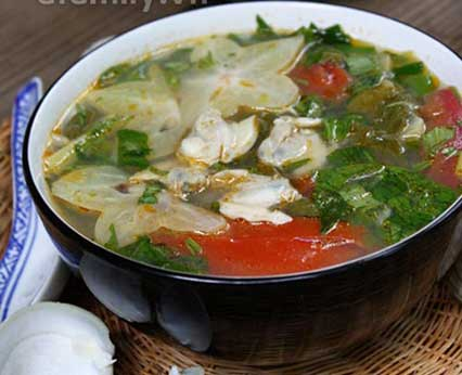 Clam Soup with Starfruit and Herbs