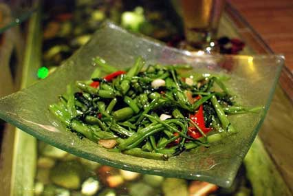 Stir-fried Water Spinach with Yellow Bean Sauce